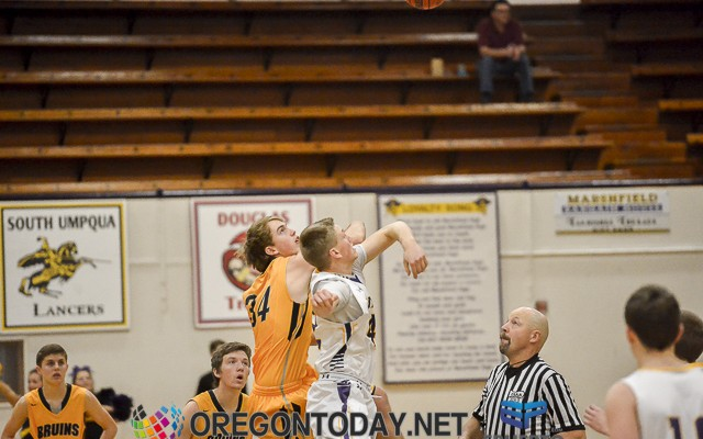 150123-MHS-Brookings-Basketball-0001-EPUERTO-_EPU3802